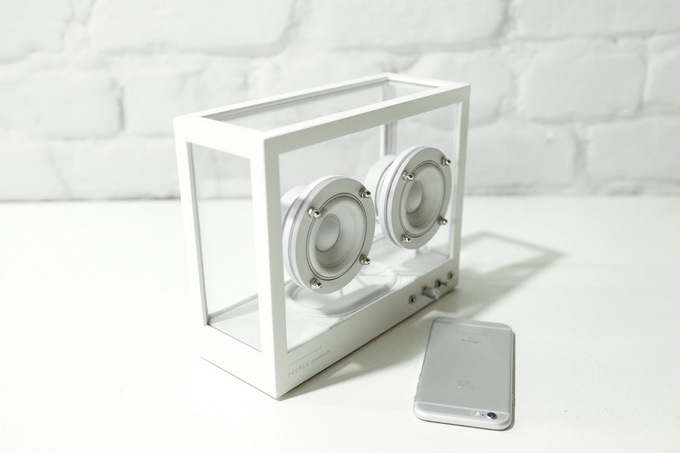 Small Transparent Speaker: Thoughtfully-designed speaker