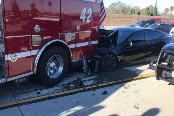 Tesla Model S on 'Autopilot' smashed into parked fire truck