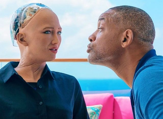 Watch Will Smith try to flirt with Sophia the Robot, she wasn't impressed