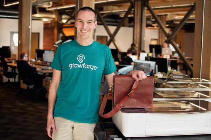 3D printing startup Glowforge launches the much anticipated 3D laser printer that made crowdfunding history