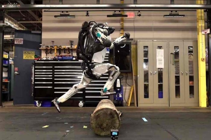 Boston Dynamics's Atlas robot is back, and now it can do parkour