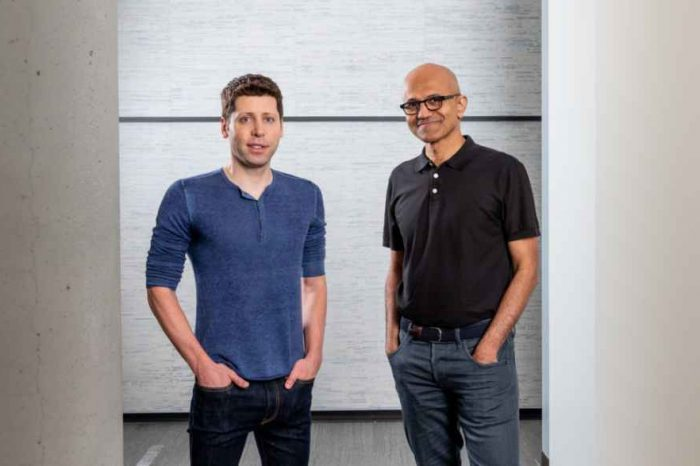 Microsoft invests $1 billion inOpenAI, an artificial intelligence startup co-founded by Elon Musk and Sam Altman