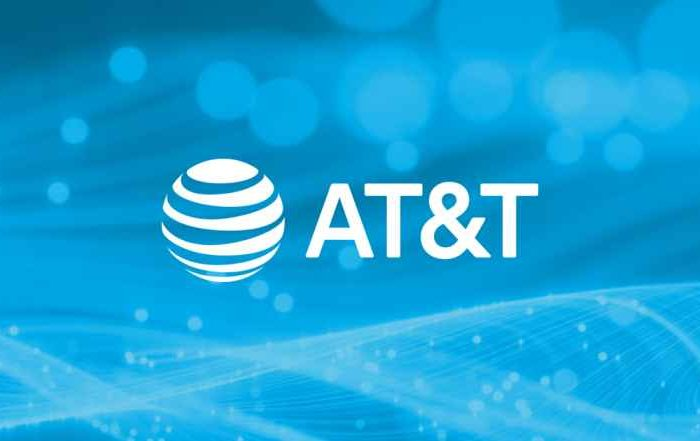 Pakistan man accused of bribing AT&T employees to unlock millions of phones by installing malware on the company's network; faces 20 years in prison