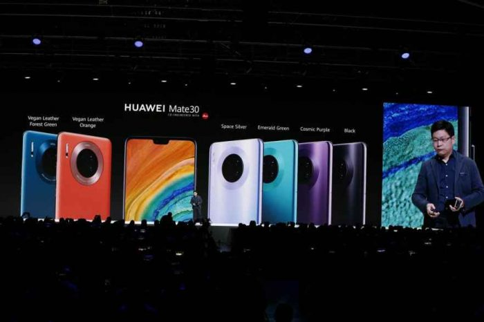 Huawei launches its new 5G flagship phone Mate 3.0 without Google-licensed apps like Maps, Gmail or YouTube
