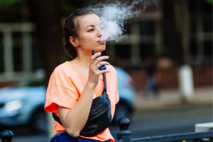 Almost all vaping illness patients end up hospitalized,CDC says