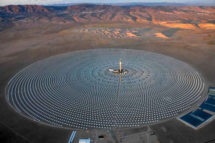 The world's biggest solar energy project failure: How this $1 billion boondoggle solar plant project became obsolete before it ever went online