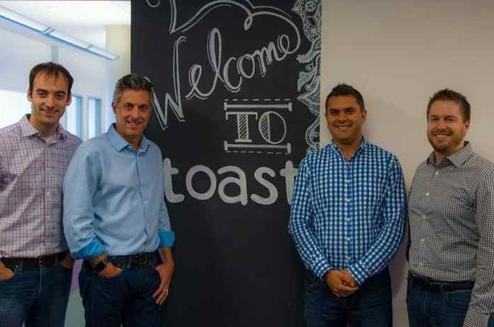 Toast raises $400M in Series F funding at$4.9 billion valuation to create a one-stop management tool for restaurants