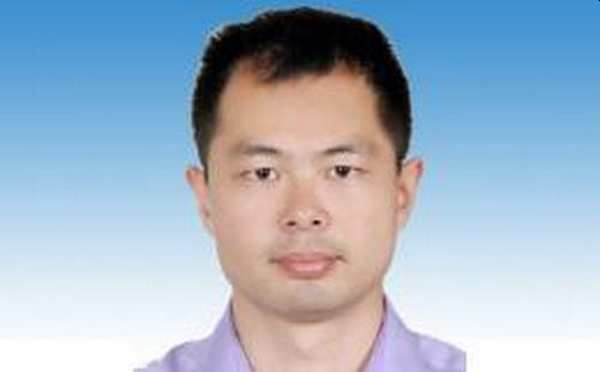 Who is Chinese scientist Peng Zhou, the leader of bat virus infection at the Wuhan Institute of Virology?