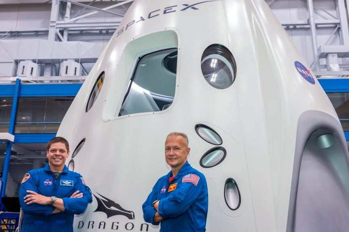 NASA Astronauts say riding SpaceX's Falcon 9 rocketwas smoother than the space shuttle;'very pure flying machine'
