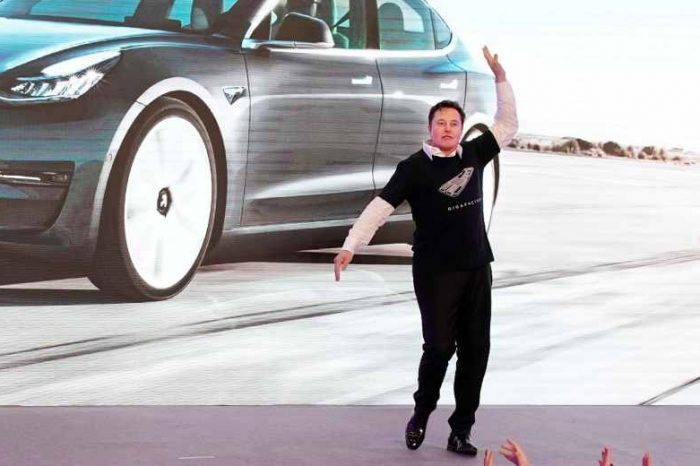 Tesla shocked its critics with a profit of$1.14 billionin Q2, up ten times from a year ago