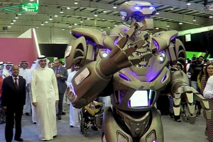 Watch King of Bahrain with his Robot BodyGuard in Dubai, UAE