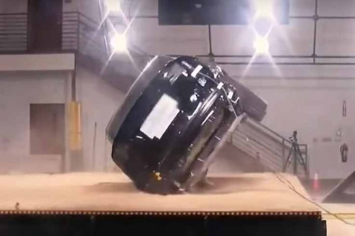 Tesla Model X's anti-capsizing technology is safety engineering at its best. Model X becomes the first and only SUV to receive a perfect crash test rating (video)