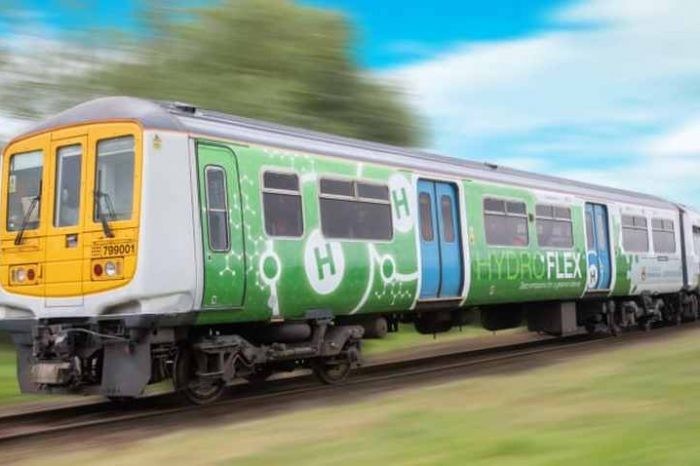 HyrdroFLEX, UK's first hydrogen-powered train, makes its debut