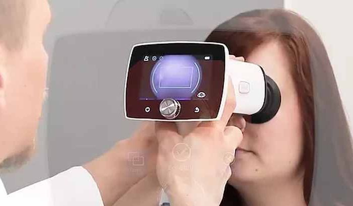 Israeli tech startup AEYE Health partners with Finnish camera maker Optomed to develop the world's first handheld AI camera for diagnosis of medical conditions