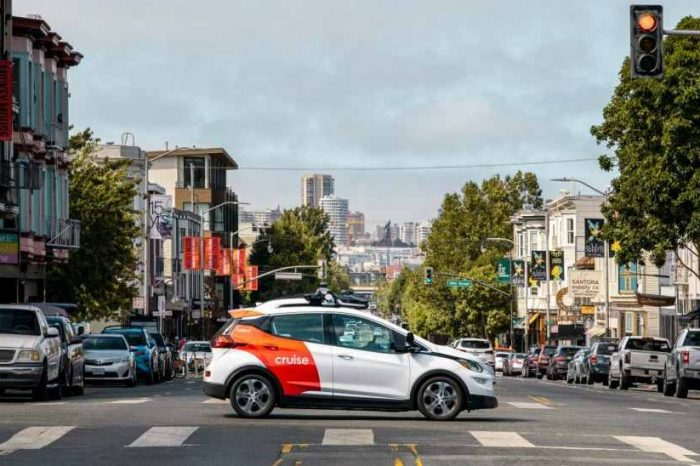 Microsoft is investing and partnering with Cruise and GM to commercialize driverless autonomous vehicles