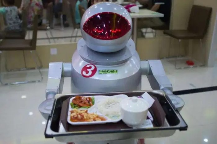 Dubai's RoboCafe is a new restaurantwhere robots have replaced their human overlords