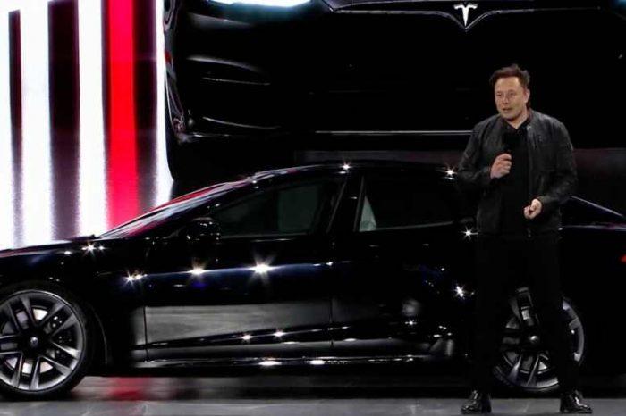 The new $130k Tesla Model S Plaid performs better than$3.5 million Bugatti, Jay Leno says