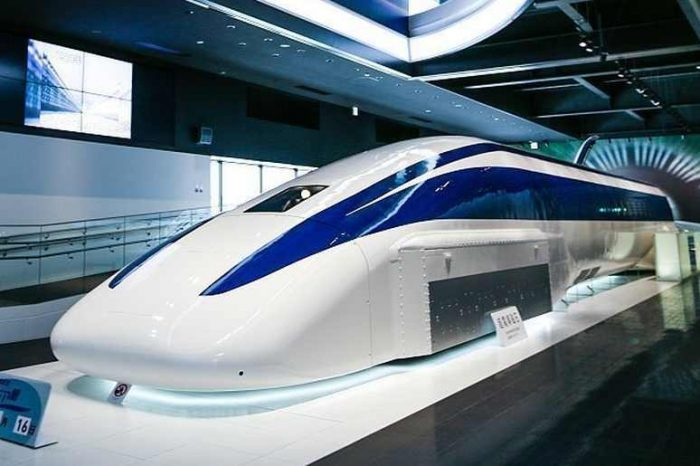 The world's fastest train ever built: Watch the physics behind the 375 miles/hour maglev train