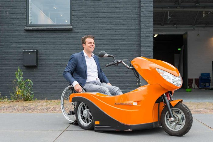 MeetHuka Pendel, an electric wheelchair scooter designed bya Dutch mobility startup that makes it possible for people with disabilities to travel independently