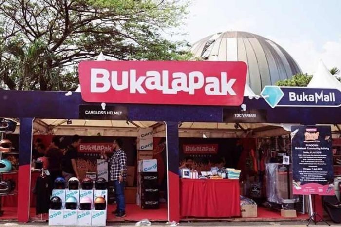 E-commerce tech startup Bukalapak pops 25% in market debut; raises $1.5 billion in Indonesia's largest IPO at a $6 billion valuation