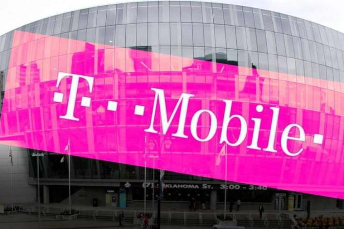 T-Mobile Hacked:Wireless carrier confirmed hackers stole about 7.8 million customers' personal data;not just customers
