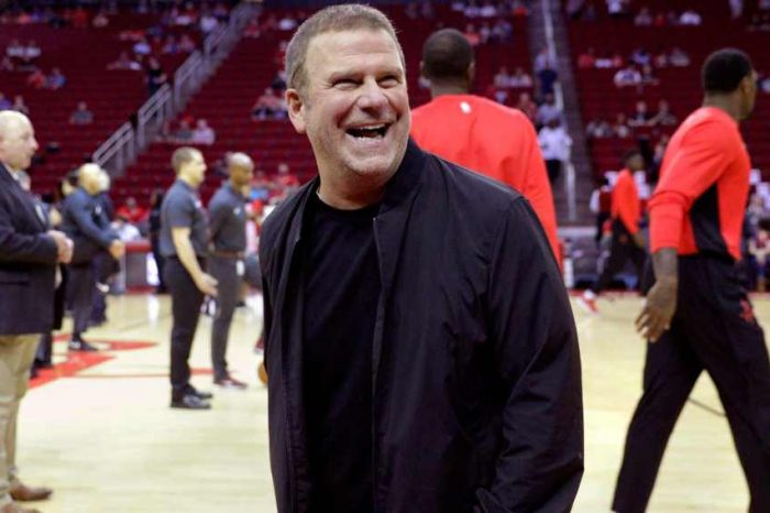 DraftKings acquires Golden Nugget Online Gaming company for $1.56 billion with billionaire Tilman Fertitta making $700 million from the deal