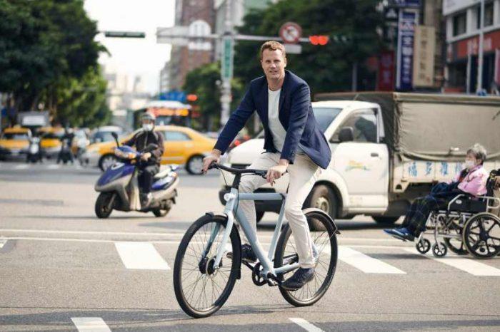 Amsterdam-based urban e-bike tech startup Van Moof raises $128 million to meet the growing demand for its electric bikes